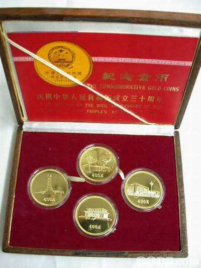 糸e COMME:SORA TİVE GOLD COINS 祝中华人民 立三十周; THE 20114 PEOPLES R 4002 400 40瞩  coin
