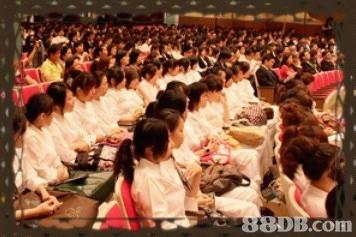 香港專業美容培訓學院提供不同種類的美容、化妝、美甲等專業課程