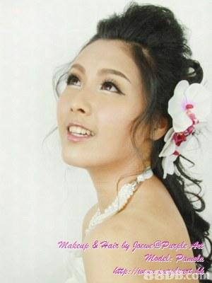 Purple Art Makeup Workshop 專業新娘化妝、髮型造型,有過百款髮型以供參考,所有頭飾免費借用