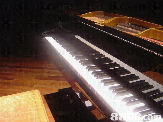 8  piano,musical instrument,keyboard,player piano,digital piano