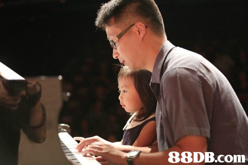 pianist,keyboard,piano,music,musician