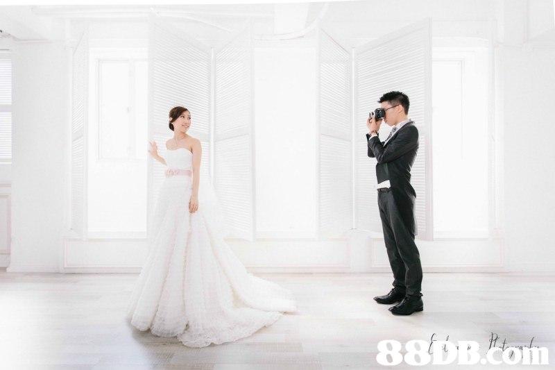 8DB.com  gown