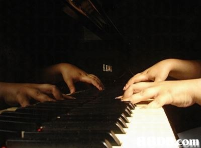 com  piano,keyboard,musical instrument,pianist,player piano
