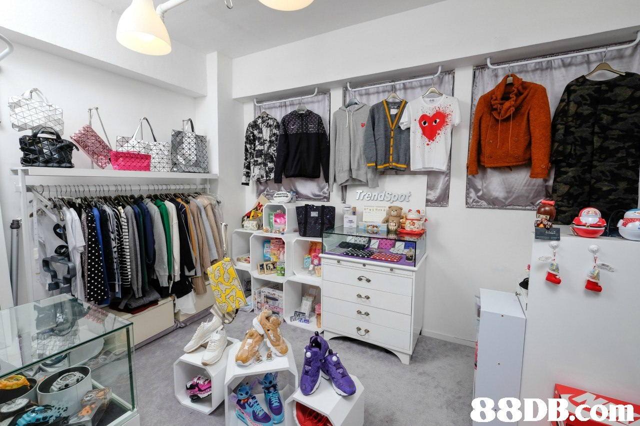 Trendspot EVE EVEV   Boutique,Room,Outlet store,Closet,Building