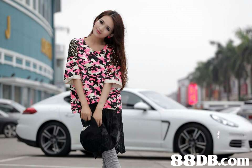 car,land vehicle,vehicle,luxury vehicle,beauty