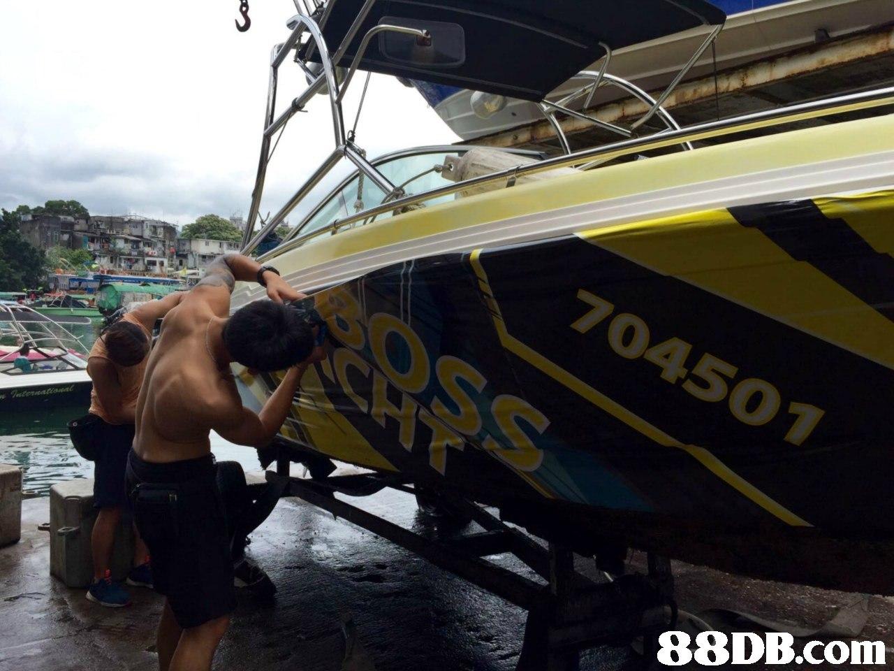704501,boat,water transportation,motorboat,vehicle,transport