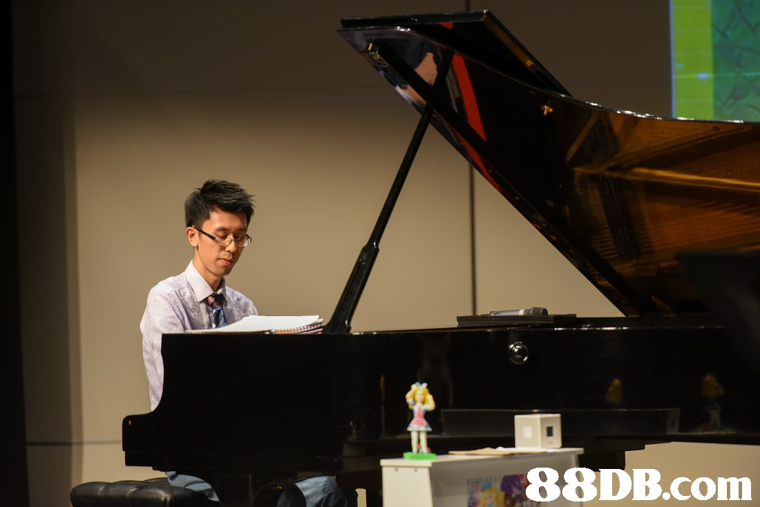 piano,pianist,music,keyboard,technology