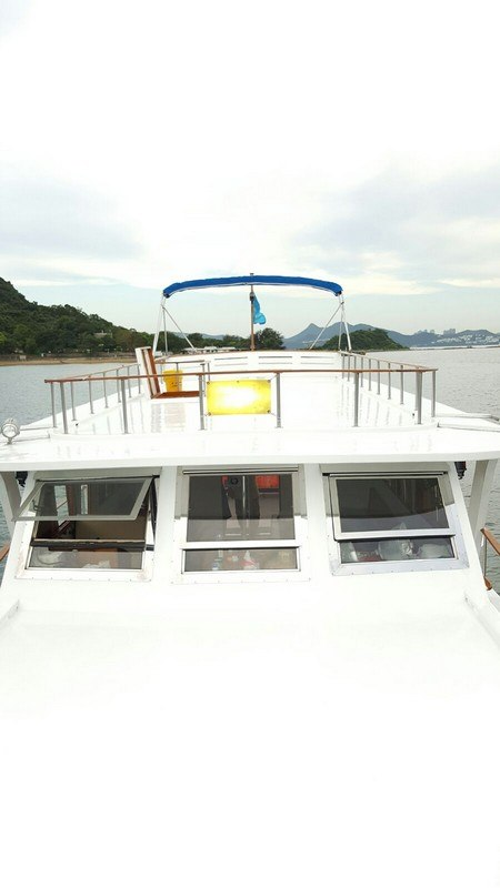 water transportation,boat,watercraft,yacht,automotive exterior