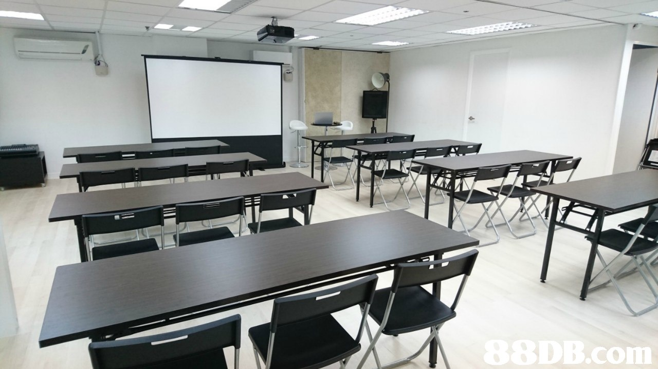 .coln  room,classroom,table,conference hall,furniture