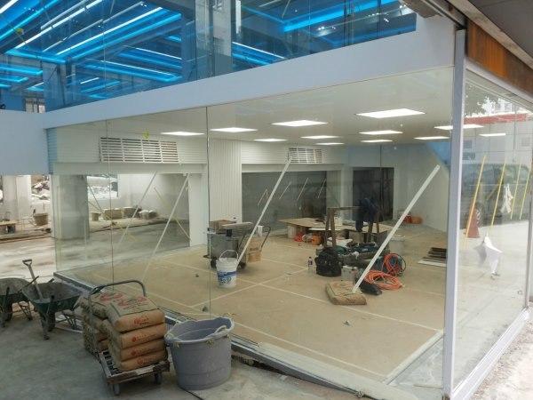 波記玻璃鋁鋼工程公司 - 專門提供及安裝玻璃、鋁門窗、鋁鋼、鐵器工程,價錢實惠  [ 玻璃門, 玻璃工程, 玻璃間房, 玻璃間牆, 玻璃間隔 ], 註冊小型工程承建商、強制驗窗計劃的合資格人士