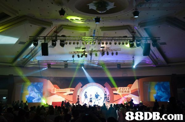 1杲典禮   stage,entertainment,function hall,display device,technology