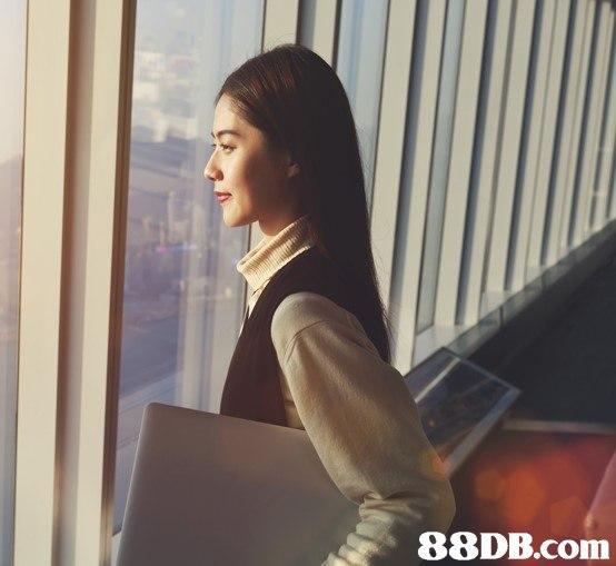 shoulder,snapshot,girl,long hair,product