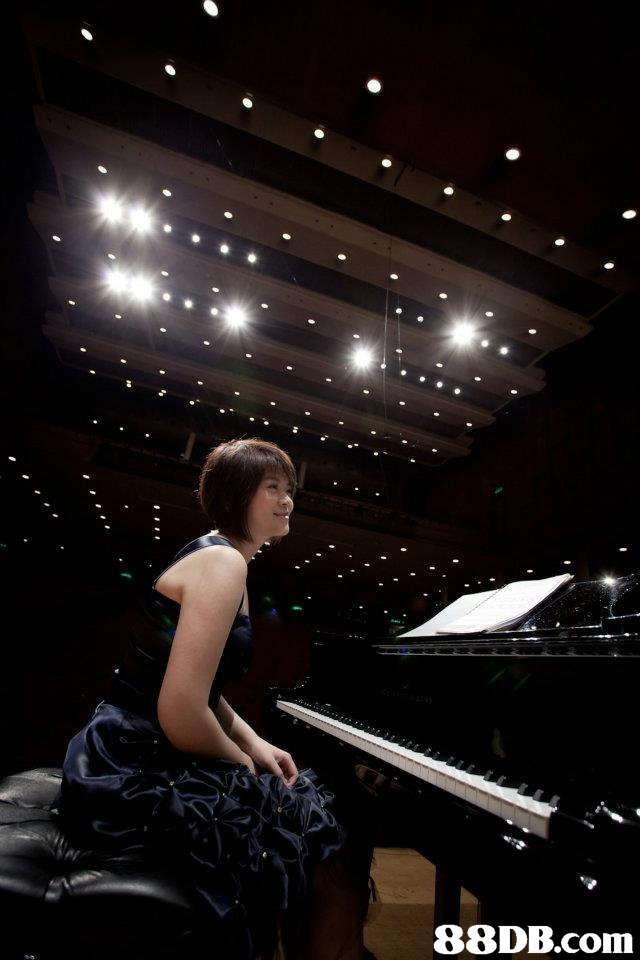 darkness,light,pianist,lighting,photography