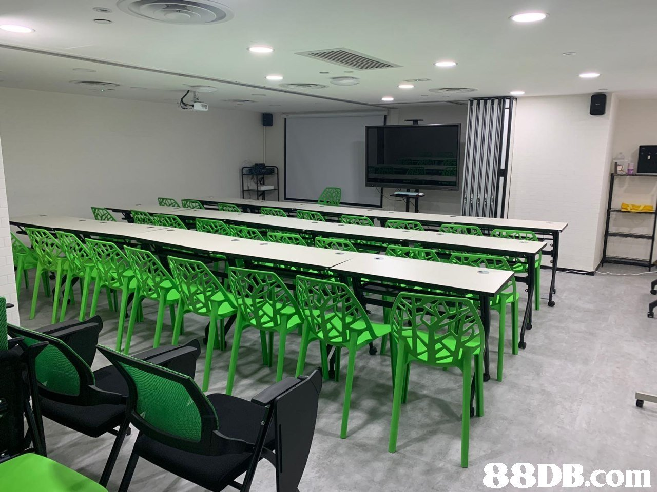 conference hall,auditorium,table,classroom,