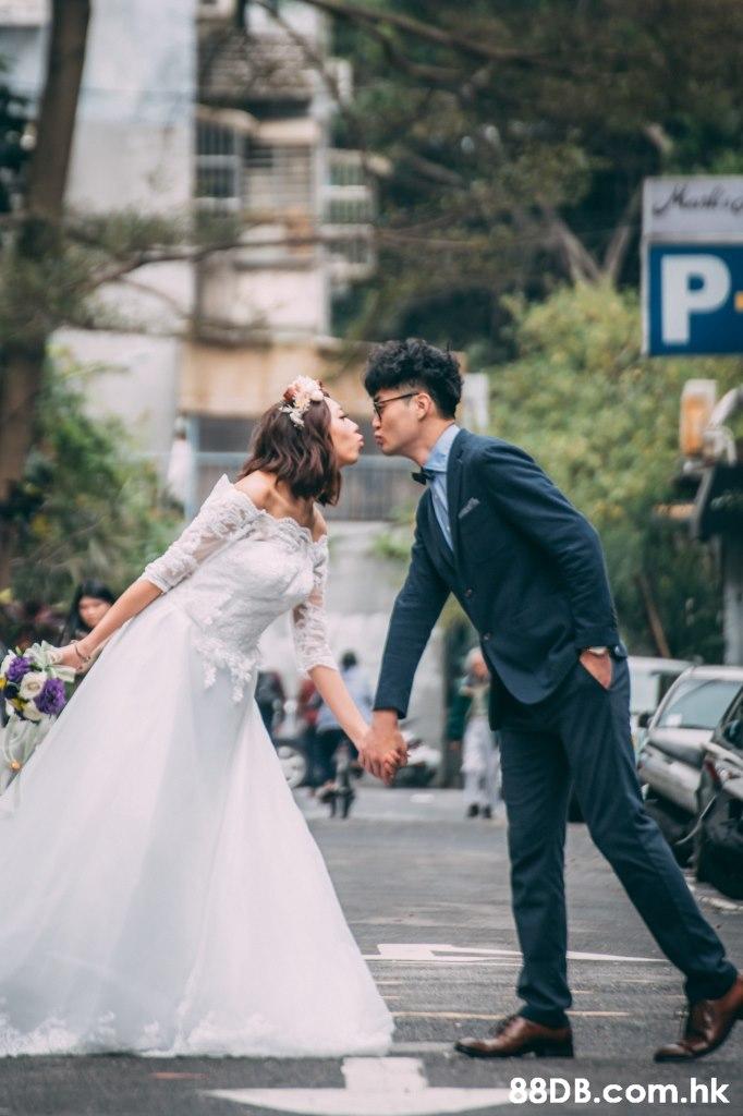 Murh P .hk,Bride,Wedding dress,Photograph,Bridal clothing,Veil