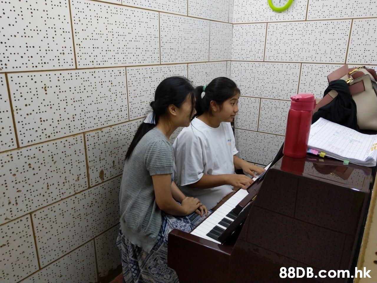 .hk ..  Musical keyboard,Room,Pianist,Technology,Keyboard player