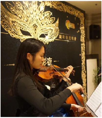 LTCL 演奏級小提琴女導師 大學音樂系畢業 (教授小提琴及樂理)